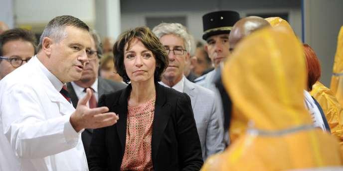 La ministre de la santé, Marisol Touraine, lors d'une visite au siège du SAMU deParis, le 24 octobre.