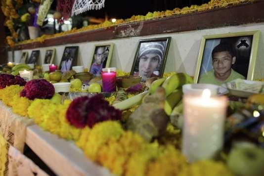 Les disparus étaient élèves-enseignants à l'école normale d'Ayotzinapa, dans l'Etat de Guerrero, au Mexique