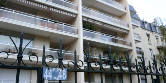 L'appartement de M. Lepaon se situe dans cet immeuble près du bois de Vincennes.