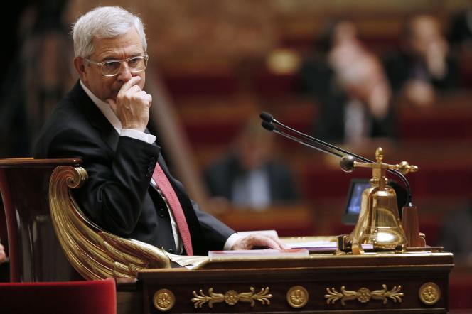 Le président de l'Assemblée, Claude Bartolone, dans l'Hémicycle, le 5 novembre 2014.