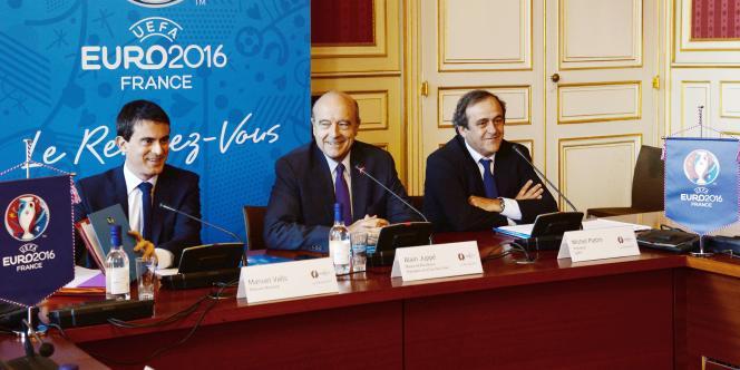 Manuel Valls, Alain Juppé et Michel Platini, le 23 octobre à Bordeaux.
