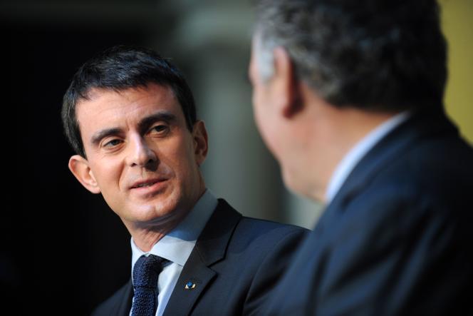 Manuel Valls, premier ministre et François Bayrou, maire de Pau, lors du 84e congrès de l'Assemblée des départements de France.