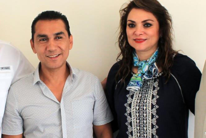 José Luis Abarca aurait commandité l'attaque contre les étudiants pour empêcher que ces jeunes perturbent une manifestation publique à laquelle participait son épouse, Maria de Los Angeles Pineda, considérée comme la principale alliée des Guerreros Unidos dans la ville, selon les autorités judiciaires.