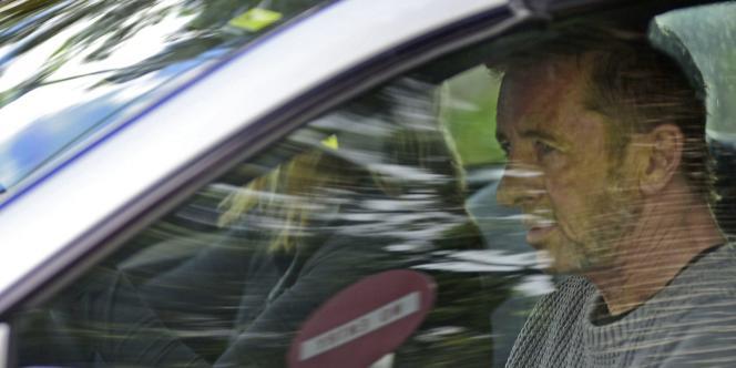 Phil Rudd à sa sortie du palais de justice de Tauranga, en Nouvelle-Zélande, le 6 novembre.