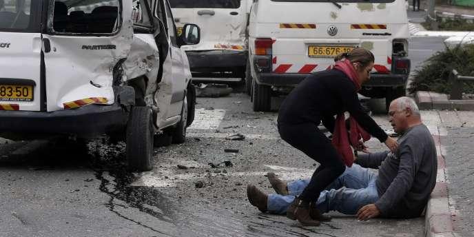 Un homme blessé par l'attaque à la voiture bélier à Jérusalem, le 5 novembre.