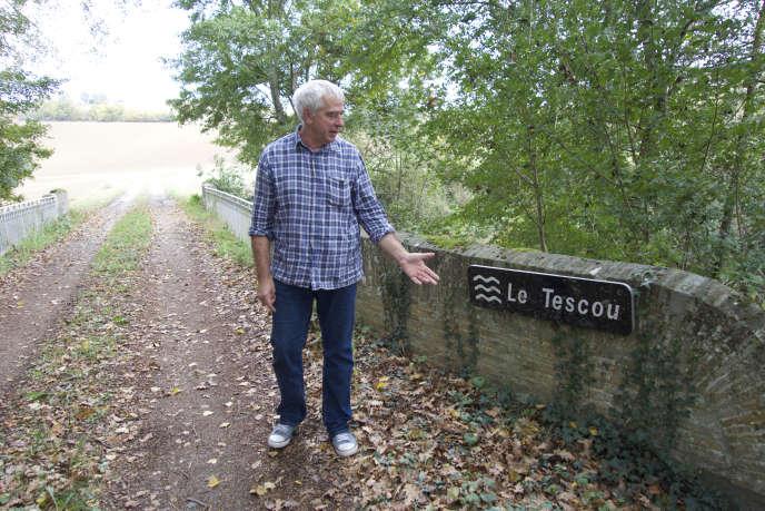 Les terres de Jean-Louis Marty, maraîcher, bordent le Tescou, cette rivière au cœur de toutes les tensions.