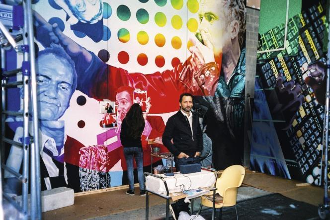 Xavier Veilhan, fin octobre, dans l'atelier de Saint-Denis où a été réalisée la fresque.