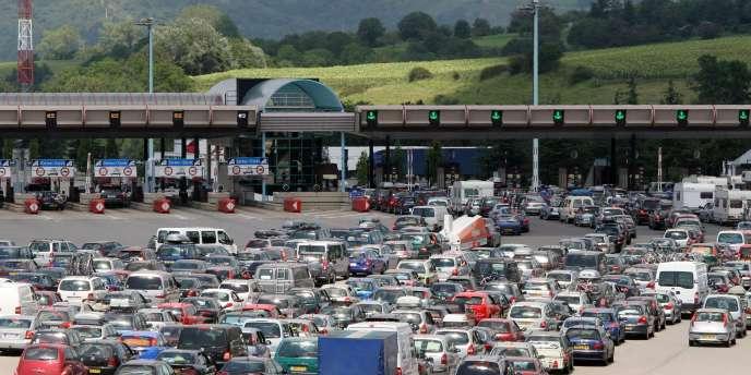 Le péage de Vienne sur l'autoroute A7, en juillet 2007. En ce qui concerne les autoroutes, l'Arafer n'interviendra qu'en cas de modification de la durée des concessions et des avenants, ou de nouveaux projets.