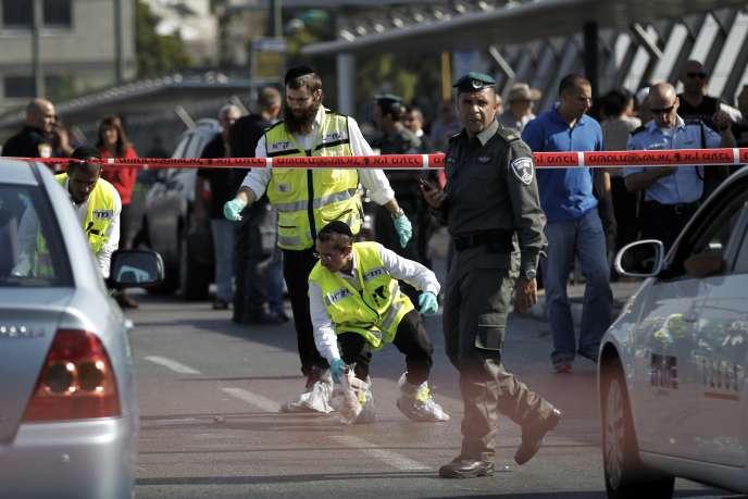 A Tel-Aviv, après l'agression d'un jeune juif par un Palestinien, le 10 novembre 2014.