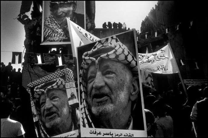 Cérémonie d'enterrement de Yasser Arafat, à Ramallah, le 12 novembre 2004.