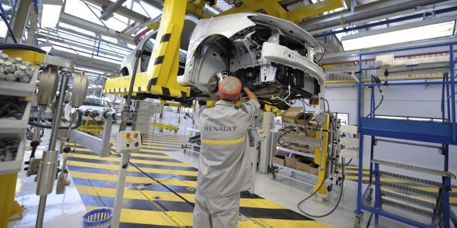 Selon le ministre de l'économie, Emmanuel Macron, 40 % des pièces utilisées dans l'usine algérienne de Renault proviendront de France et y généreront de l'activité.