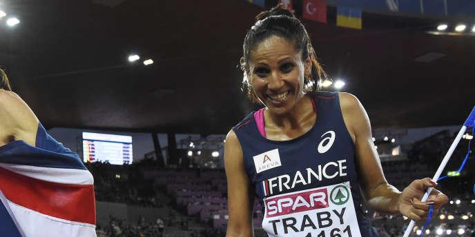 Laila Traby, ici le 12 août, lors de la finale du 10 000 m aux championnats d'Europe d'athlétisme.
