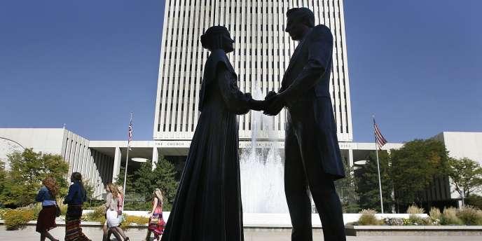 Statue représentant Joseph Smith et celle qui fut sa seule épouse officielle, Emma, à Salt Lake City, dans l'Utah.