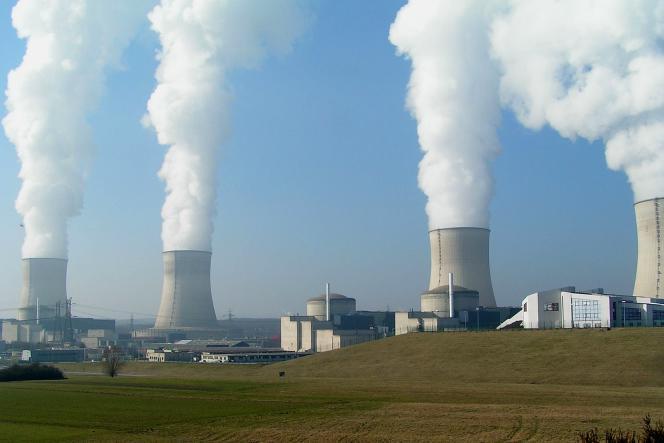 «Si l'industrie nucléaire est moribonde et en fin de vie, c'est parce que c'est une industrie du XXe siècle, un dinosaure qui s'est complexifié au fil du temps» (Photo: centrale nucléaire de Cattenom, Moselle).