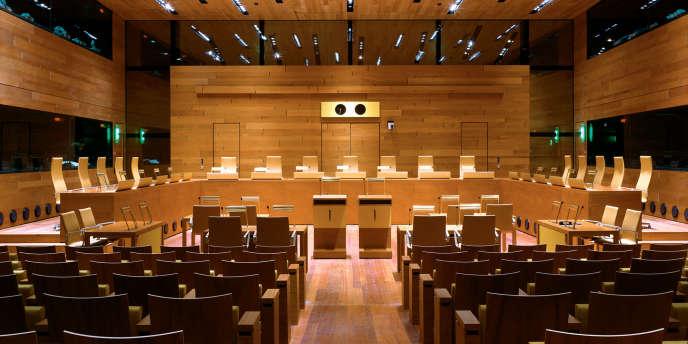 """La Cour de justice de Luxembourg a estimé que des ressortissants européens """"économiquement inactifs"""" pouvaient se voir refuser des aides sociales dans un autre pays de l'UE."""