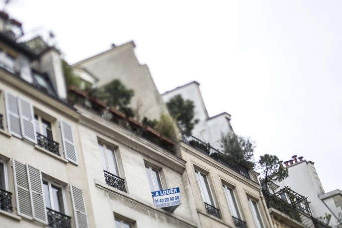 Une pancarte« à louer» sur un immeuble parisien, en 2013.