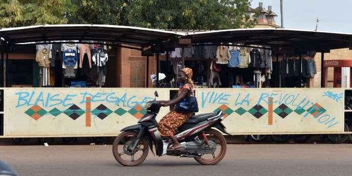 Dans les rues de Ouagadougou le 6 novembre.