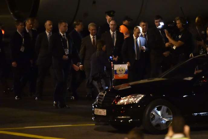 Le président russe Vladimir Poutine à son arrivée à Brisbane, en Australie pour le sommet du G20, le 14 novembre 2014.