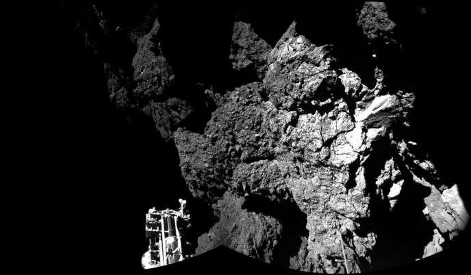 Après son atterrissage, Philae s'est retrouvé entre des falaises dans un lieu très peu éclairé.