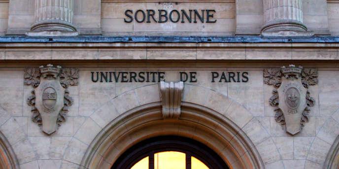 La façade de la Sorbonne, à Paris.