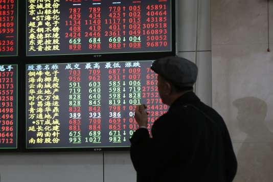 Lundi 4 décembre, la Bourse de Shanghaï a fermé ses portes avant l'heure. La séance a été suspendue après un fort repli suite à des craintes sur l'économie chinoise.