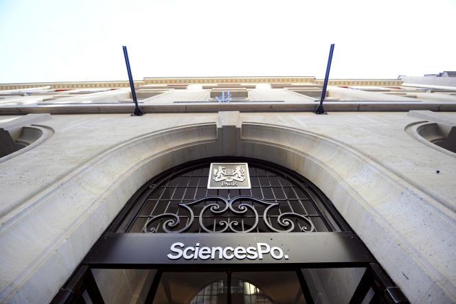 L'entrée de l'Institut d'études politiques, Sciences-Po, à Paris.