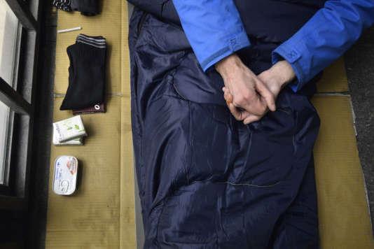 En 2012, l'Insee affirmait que 143 000 personnes étaient sans domicile fixe en France.