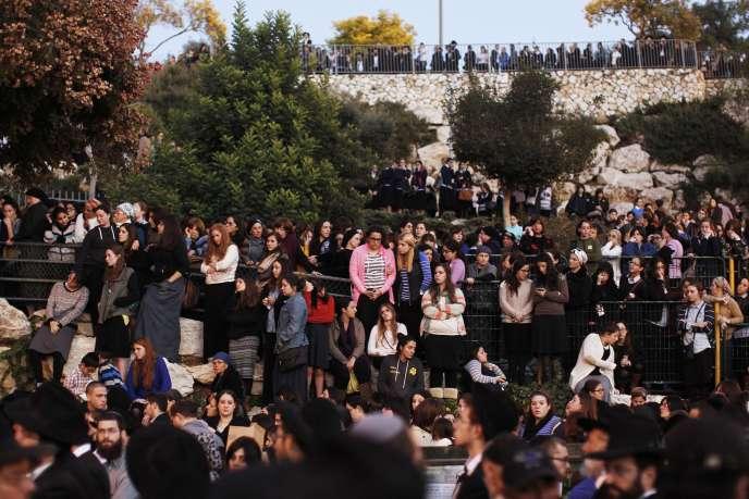 Funérailles de trois des quatre victimes de l'attentat de mardi 18 novembre à Jérusalem.