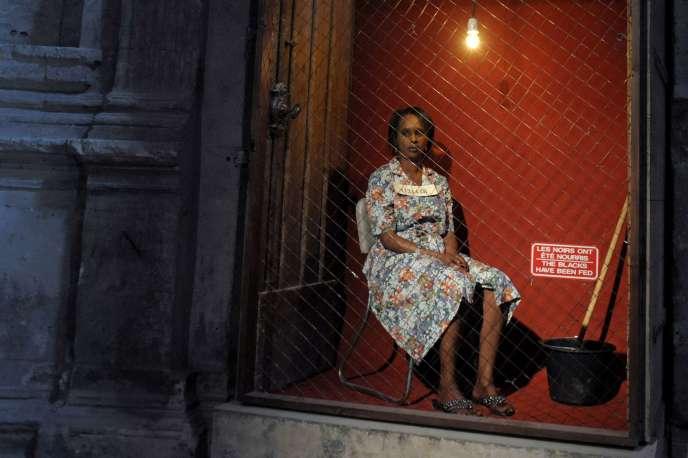 Juillet 2013, Avignon, une actrice participe à la performance