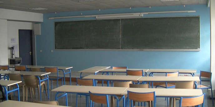 Le gouvernement estime que 144 000 élèves décrochent du système scolaire chaque année.