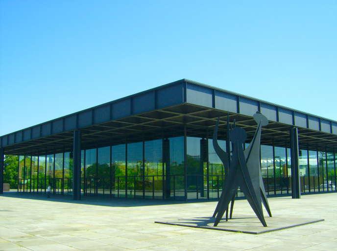 La Neue Nationalgalerie, construite en 1968 par Mies van der Rohe.