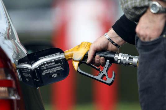 Selon le dernier bilan de l'Union française de l'industrie pétrolière (UFIP), « une centaine de stations sont en rupture totale », sur 11000 enFrance.