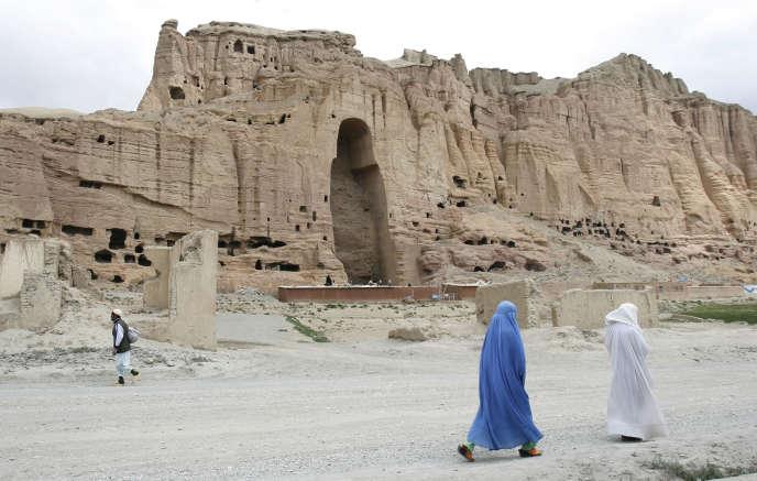 Bamiyan (Afghanistan), en juin 2009. Site sur lequel se trouvait les deux bouddhas géants détruits en 2001 par les talibans. Le plus grand mesurait 55 mètres.