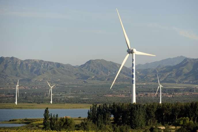 Des éoliennes à l'extérieur de Pékin en 2010.