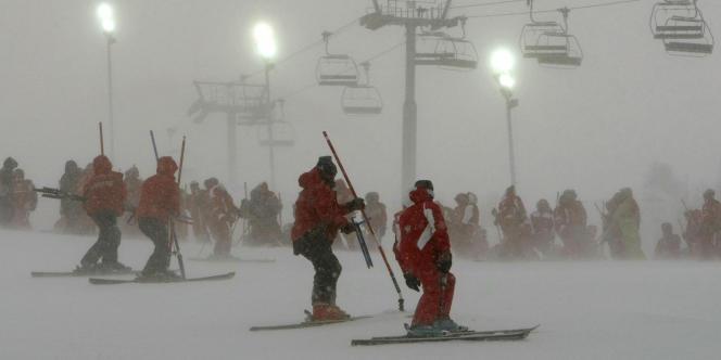 Les moniteurs de ski français sont visés par le rapport de la Cour des comptes.