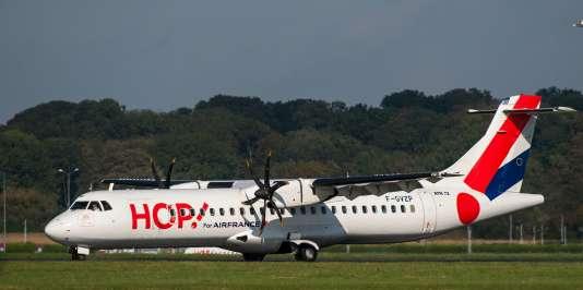 Un ATR72 de la compagnie Hop! à l'aéroport de Lille-Lesquin.