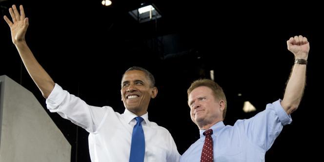 Barack Obama et Jim Webb lors d'une réunion électorale à Virginia Beach, en Virginie, en septembre 2012.