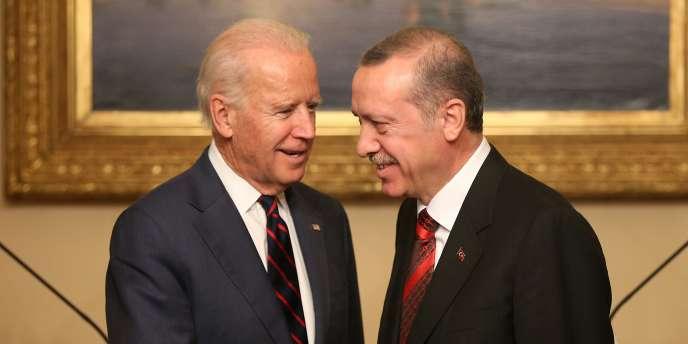 Le vice-président américain, Joe Biden, et le président turc, Recep Tayyip Erdogan, se sont entretenus sur la Syrie lors d'un déjeuner qui a duré près de quatre heures dans un palais de la rive asiatique d'Istanbul, samedi 22 novembre.