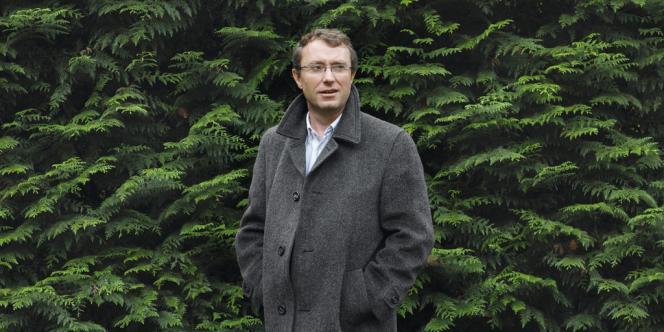 L'œnologue Thierry Guillon a installé sa distillerie dans la Montagne de Reims.