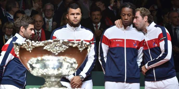 Arnaud Clément, Jo-Wilfried Tsonga, Gaël Monfils et Julien Benneteau (de gauche à droite), à l'enterrement des illusions françaises en Coupe Davis, dimanche 23 novembre.