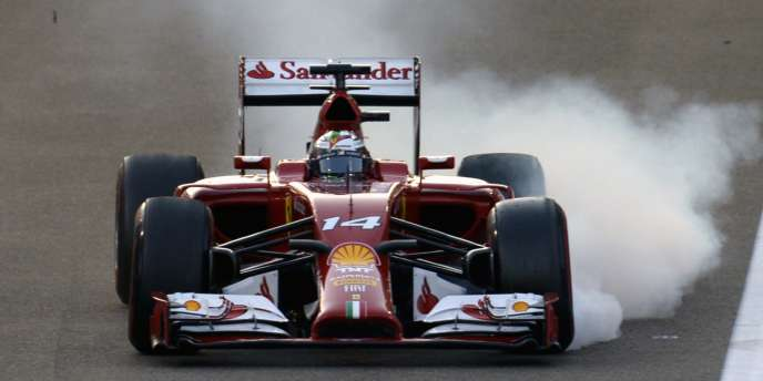 La Ferrari de Fernando Alonso, dimanche 23 novembre, après le départ du dernier Grand Prix de la saison à Abou Dhabi.