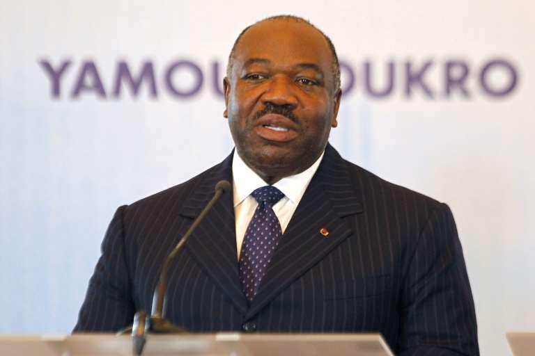 Le président gabonais Ali Bongo a annoncé son intention de donner sa part de l'héritage de son père à la jeunesse de son pays.