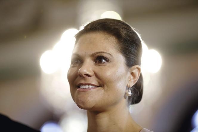 Près de six Suédois sur dix souhaitent que Carl XVI Gustaf abdique en faveur de sa fille Victoria, 37 ans.