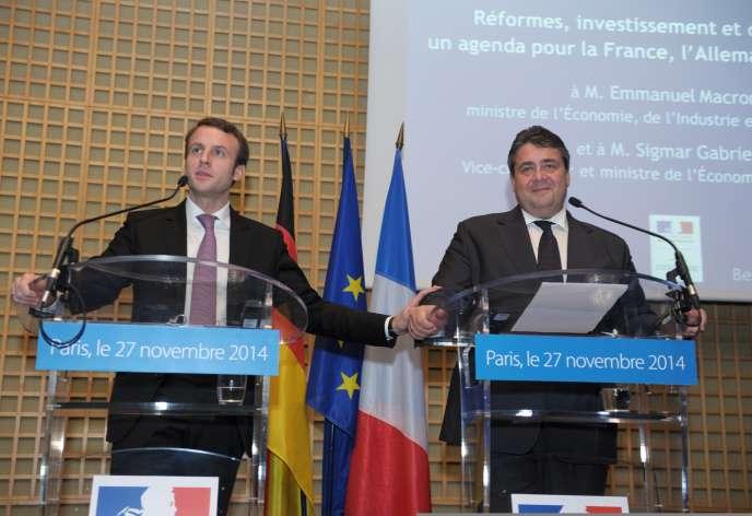 Le ministre de l'économie français, Emmanuel Macron, et son homologue allemand, Sigmar Gabriel, à Paris, le 27 novembre.