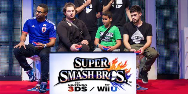 Sur l'estrade du championnat de France Super Smash Bros. à la Paris Games Week.