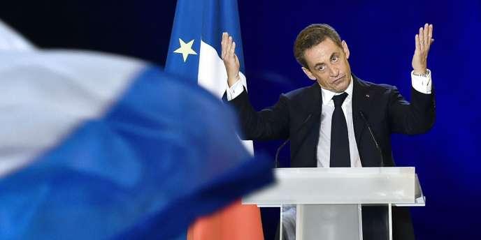 Nicolas Sarkozy en meeting, le 27 novembre à Nîmes.