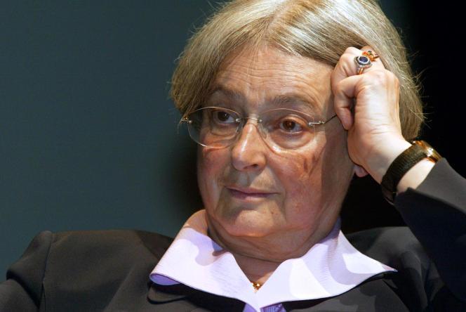 La sociologue (et à l'époque, 2003, membre du conseil constitutionnel) Dominique Schnapper.