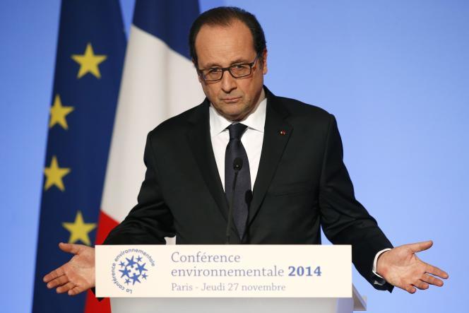 Le président François Hollande, à l'Elysée le 27 novembre.