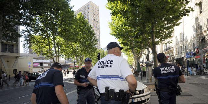 La police municipale dans le quartier Belscunce  de Marseille (image  d'illustration).