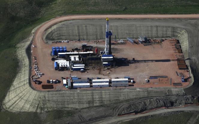 Un puits de pétrole à Williston (Dakota du Nord), le 12 juin.